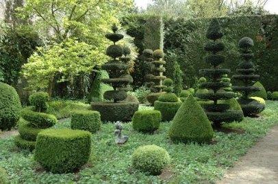 Château la Ballue gardens